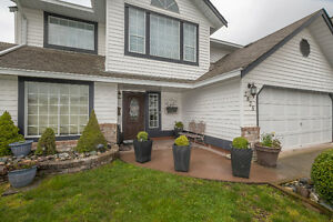 Abbotsford Home on Huge Lot, in a great area