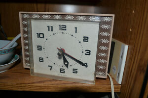 VINTAGE ELECTRIC CLOCKS - ALL are working good!