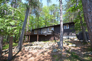 3 BDRM COTTAGE W/ WESTERN EXPOSURE ON GO HOME LAKE
