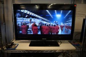 40 Inch Samsung LCD HDTV + Remote