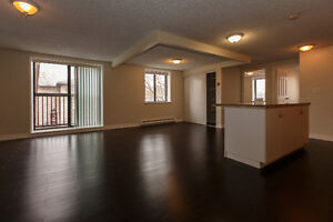 4 Bedroom Apartment Downtown Close to Metro, Campus and More! Kingston Kingston Area image 3