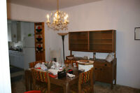 Vintage Salle a manger,buffet,table,4 chaises
