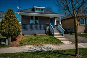 Charming Bungalow on a quiet street! 3599923