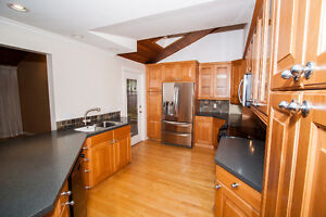$4400(ORCA_REF$3514F)EDGEMONT DREAM HOUSE! Handsworth Catchment! North Shore Greater Vancouver Area image 3