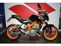 2016 KTM 390 DUKE BRAND NEW WITH LOTS OF EXTRAS!