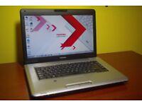 Laptop Toshiba 15.6'' Windows 7 with Webcam