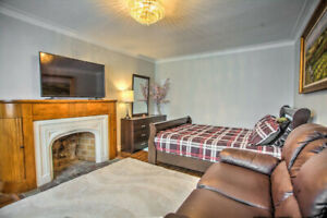 ALL INCLUSIVE - FURNISHED PRIVATE ROOM - W/ PARKING - SHORT TERM