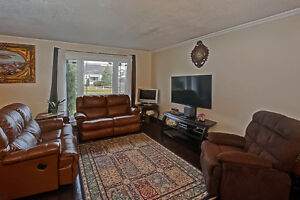 For Sale- 127 CLEMENS ST, LONDON  OPEN HOUSE SUN DEC 4 FROM 2-4 London Ontario image 2