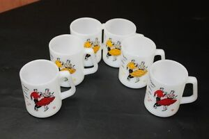Federal Milk Glass mugs Square Dancing 4 yellow 2 red vintage Kingston Kingston Area image 10