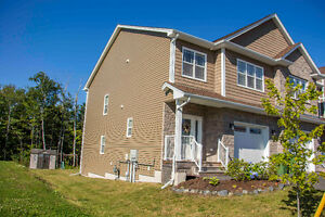 Beautiful Executive Townhome in West Bedford !