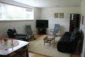 Westboro large Bright 1 bedroom Unfurnished apartment (900 sq)