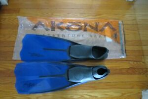 Swimming Fins. Akona size 9.