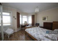2 bedroom house in Chingford Lane, Woodford Green, IG8 (2 bed)