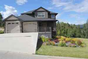 Beautiful home in Twin Rivers Estates - Castlegar