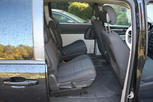 2010 Dodge Grand Caravan Stow-N-Go - 128K - $7400 Kawartha Lakes Peterborough Area image 3