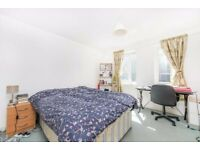 PLAISTOW, E13, AN EXCELLENT 5 BEDROOM HOUSE AVAILABLE NOW