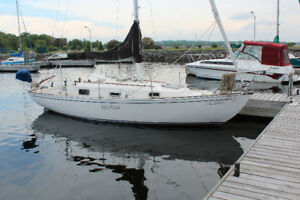 Must go !   For Sale 1982 Fibreglass Contessa 26 Sailboat