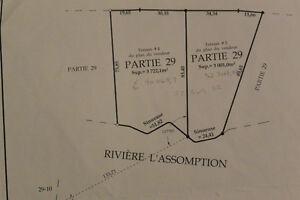 Terrain sur le bord de la rivière L'Assomption. St-Côme