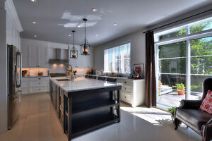 High End Finished Home Beaconsfield  Haute Gamme Maison à Vendre