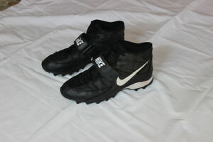 Football Cleats 9Nike)