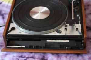 Table tournante , tourne disques , record player