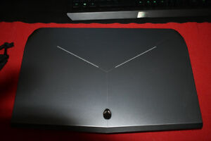 Alienware 17 R2 With carry bag