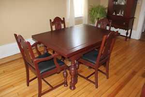 Antique Dining Table, 6 Chairs Buffet & Hutch