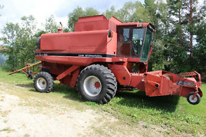 Case International Combine Axial-Flow 1680