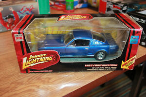 JOHNNY LIGHTNING COLLECTORS 1965 FORD MUSTANG