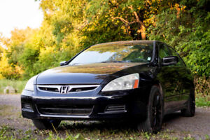 2005 Honda Accord - Fully equipped, Mags, Excellent Condition!
