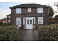 2 bedroom house in Winslow Grove, London, E4