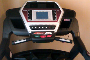 Sole F63 Treadmill - 1~2 years excellent condition. [pickup]