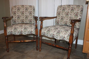 2 ANTIQUE CHAIRS (like new)