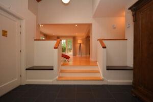 Bedford Basin Views, 4 Bed 4 Bath House, Guest Suite, Hot Tub!