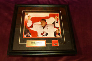 MARIO LEMIEUX 2002 GOLD MEDAL CHAMPIONS FRAMED PICTURE & GLASSES
