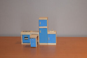 Wooden Doll house set - all inclusive West Island Greater Montréal image 5