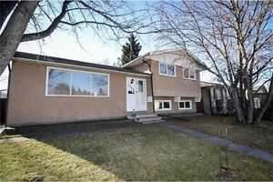 4 LEVEL SPLIT HOUSE WITH DOUBLE GARAGE IN RUNDLE NE