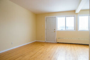 2 BEDROOM APARTMENT CLOSE TO OROMOCTO MALL- HEAT INCLUDED!