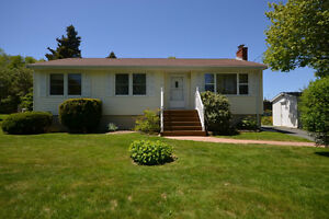 Bungalow in Fleming Heights - 10,000+ sf lot