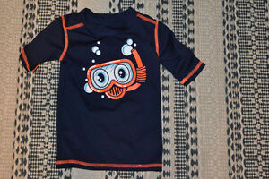 Boys 2T rash guard like new Joe Fresh