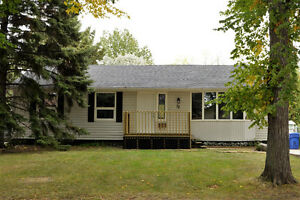 Fully renovated 4 bed/2 bath home w/ finished basement! Regina Regina Area image 1