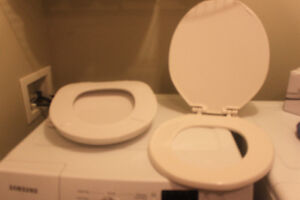 2 Like New Toilet Seats (few months old  / changed toilet style)