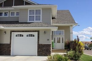 1/2 DUPLEX FOR RENT IN LACOMBE