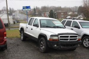 DODGE DAKOTA 2004 V8, 6 PLACES, 4 PORTES, BAS MILLAGE