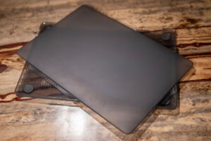 MacBook pro 15 in hard shell - I-Blason, dark grey