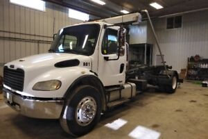 Freightliner Single Axle Hook and Load Dump Truck