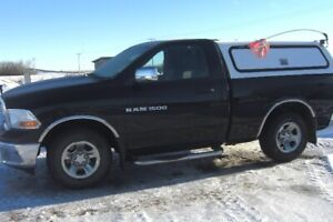 NICE 2012 DODGE RAM 1500 R.W.D. TRUCK--VERY LOW KMS