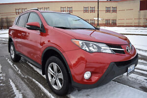 2015 Toyota RAV4 XLE backup cam, touch screen, Heated Seats