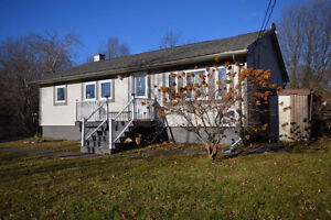 32 Raymond Drive, Sackville-William Campbell
