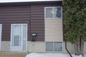 Townhouse in Sutherland For Rent Available Now